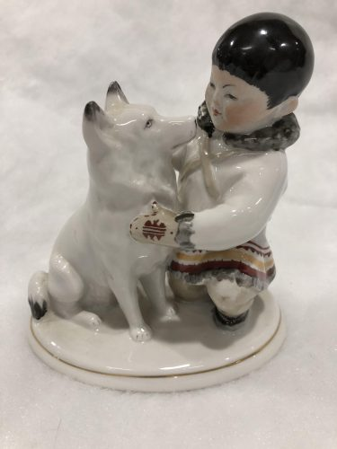 A Country in Porcelain: Figurines from the Soviet Era post image